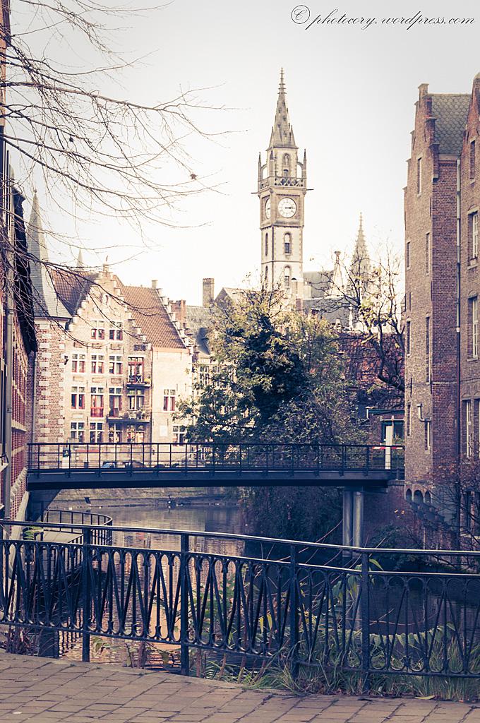 Romantic little bridges.