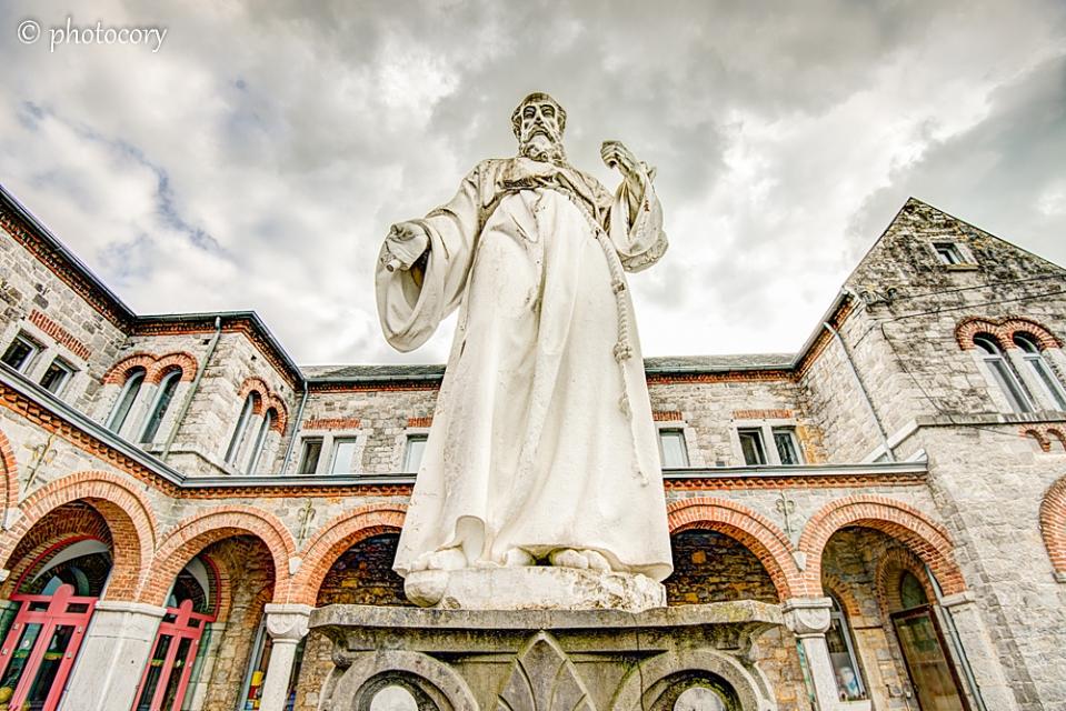 Impressive statue