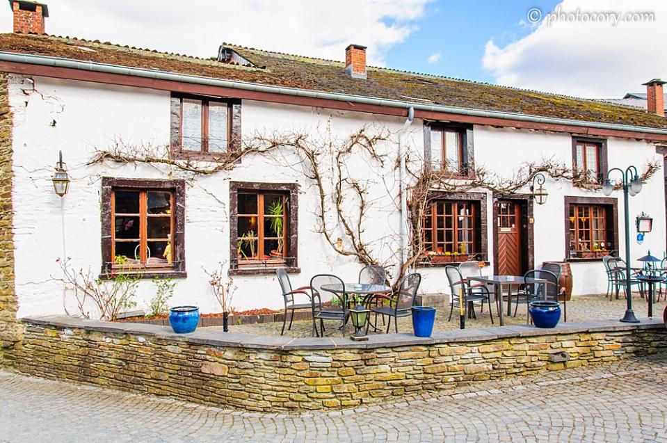 Nice hotel in Rochehaut