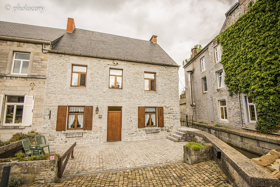 Stone house in Celles