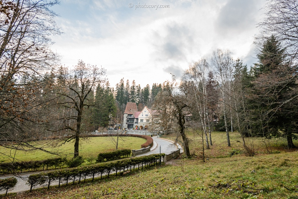 Around Peles Castle. The cafe-restaurant can be seen in the back building.
