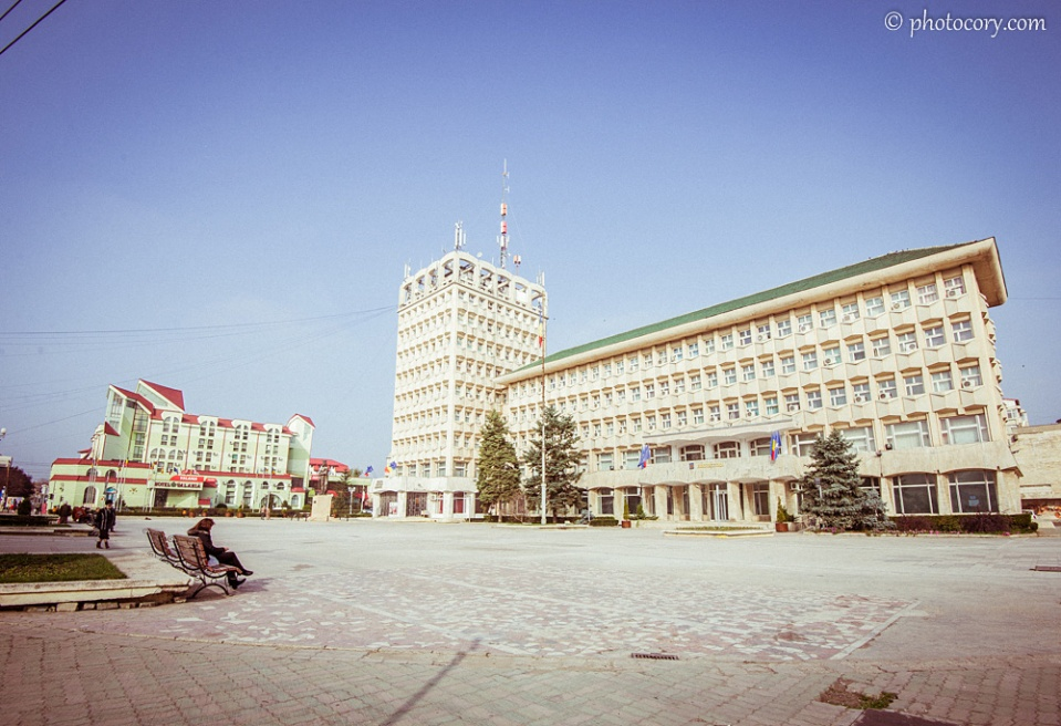 The Prefecture in Targoviste (the big, white building on the right) and Valahia Hotel (the small, green building on the left)