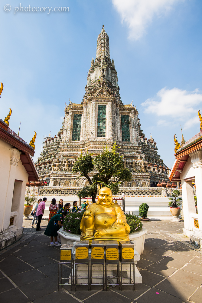 A fat Buddha./ Un Buddha cam grasut
