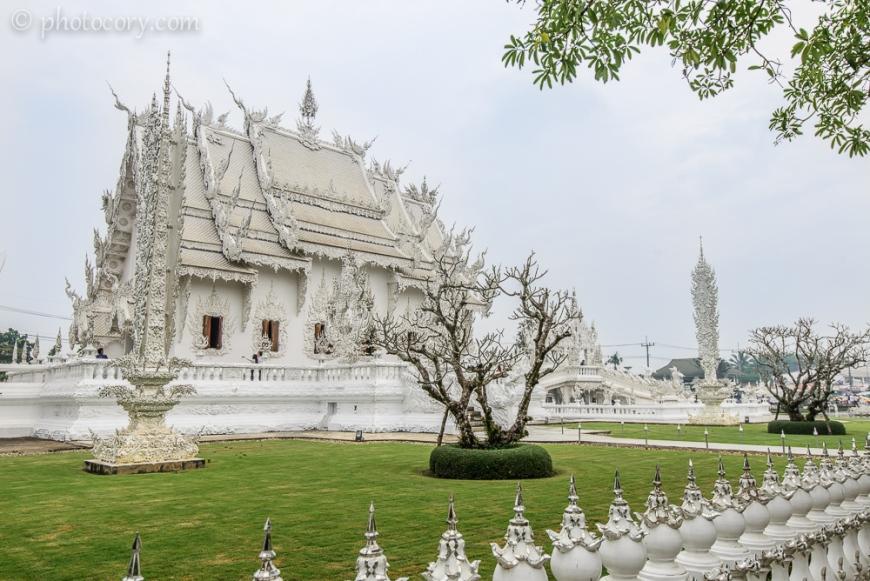 The magical Wat Rong Khun in Chiang Rai