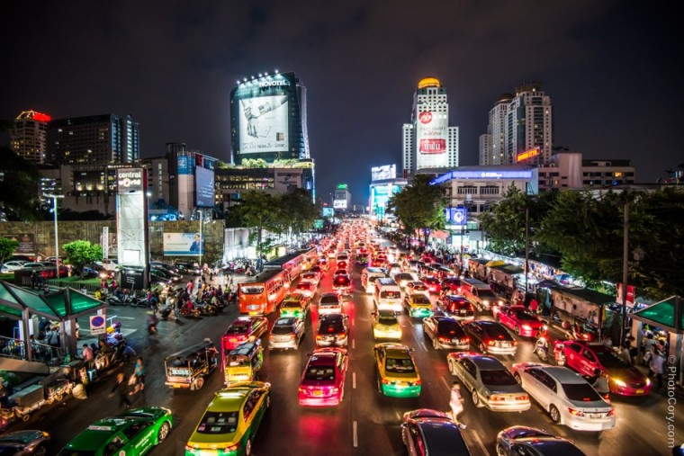 night traffic bangkok