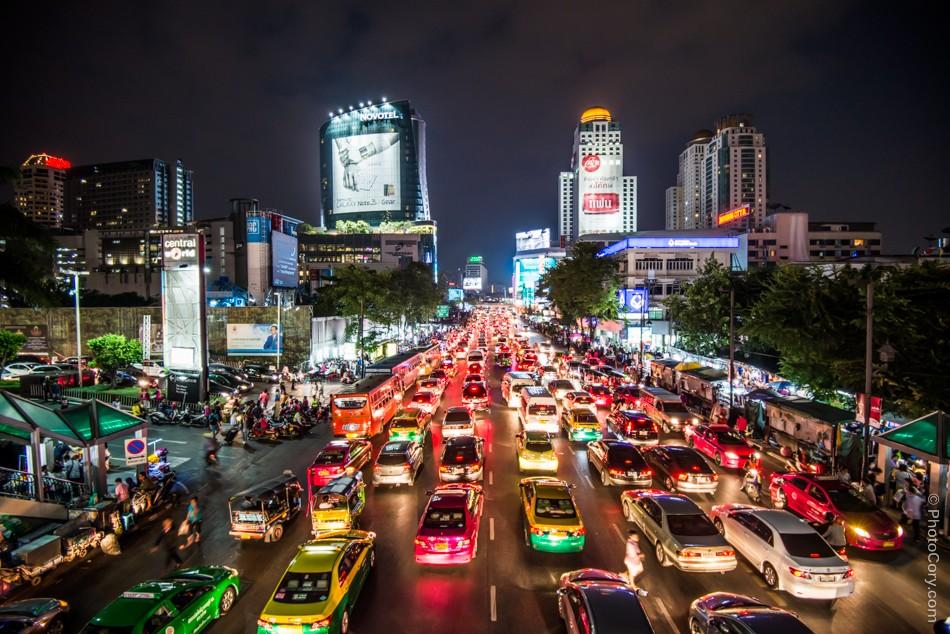 night traffic bangkok