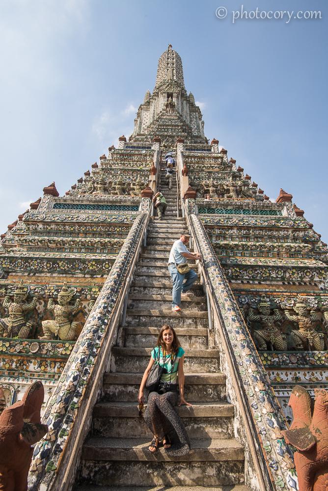 Steep Stairs at Wat Arun./Scari abrupte
