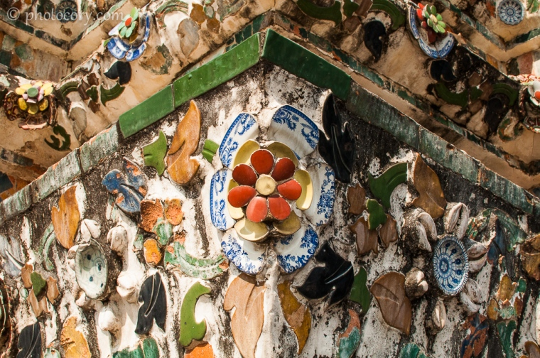 Porcelain on Wat Arun central tower/portelan pe turnul central din templul Arun