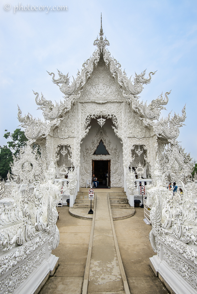 There it is, the surreal White Temple, Wat Rong Khun, a temple like you've never seen before
