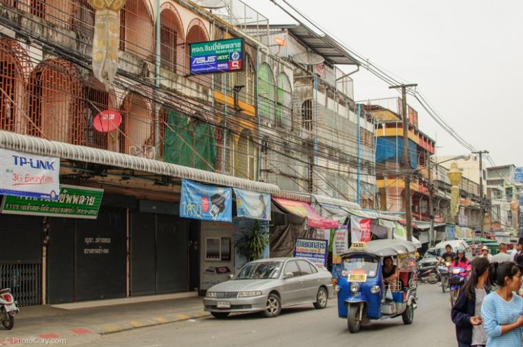 chiang rai street architecture