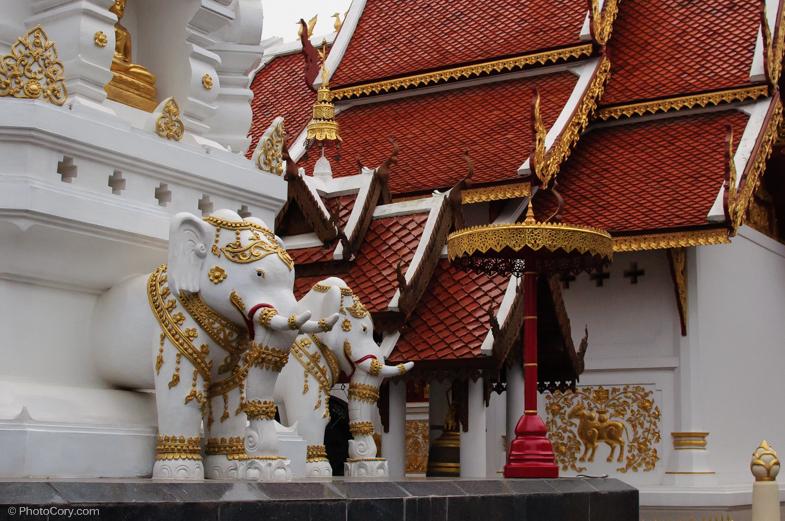 elephant statues temple thailand