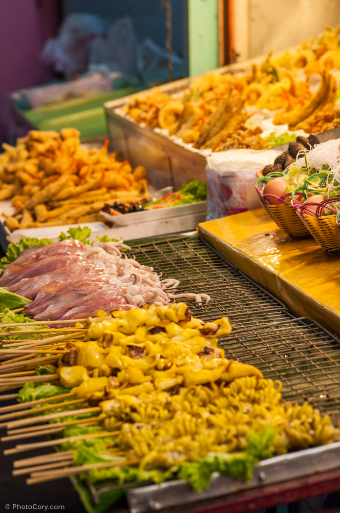 foor night bazaar chiang rai thailand