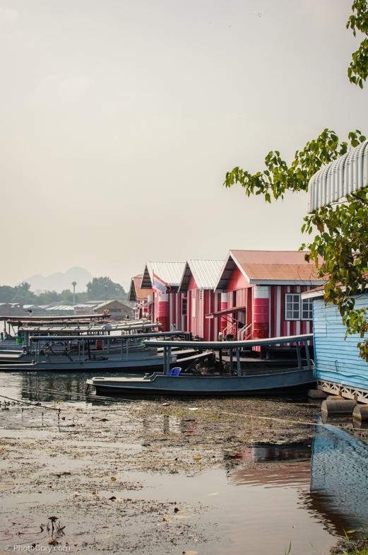 kanchanaburi houses on river