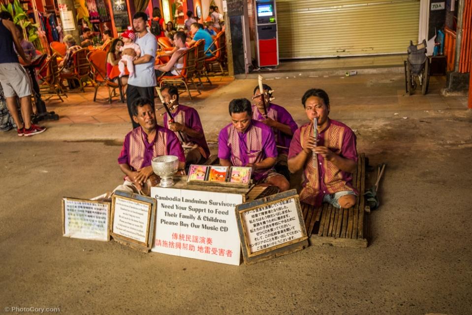 Cambodia landmine survivors/ Supravietuitori dupa explozii de mine