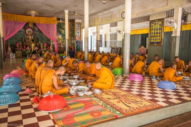 Monks at lunch / Calugari la pranz