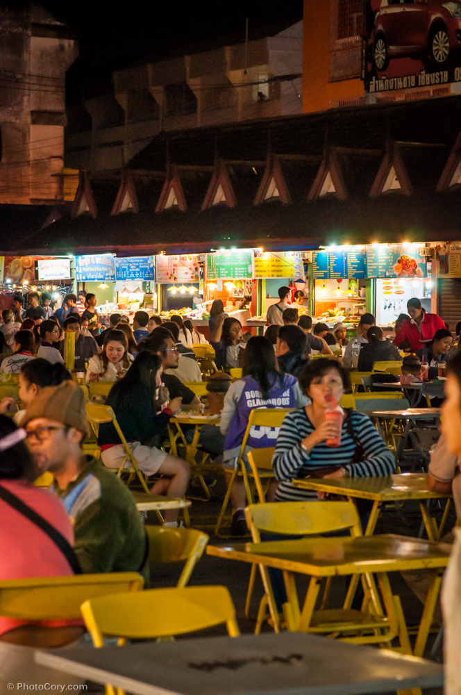 night bazaar chiang rai