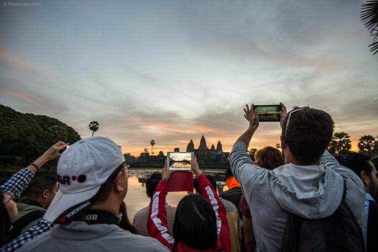 people sunrise angkor