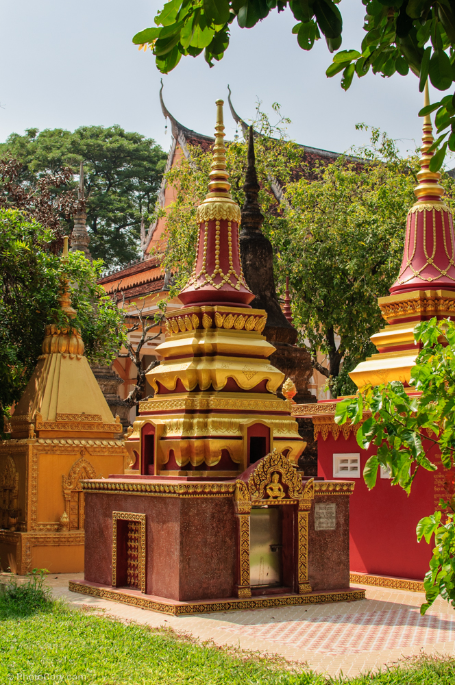 Stupa / Monumente funerare