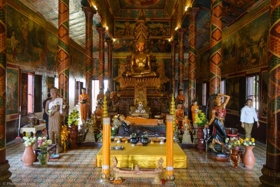 Wat Phnom/ Altarul templului Phnom