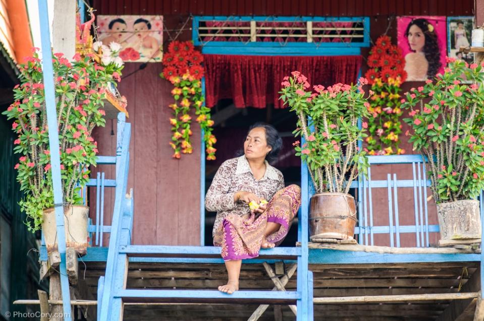 woman in kompong phluk