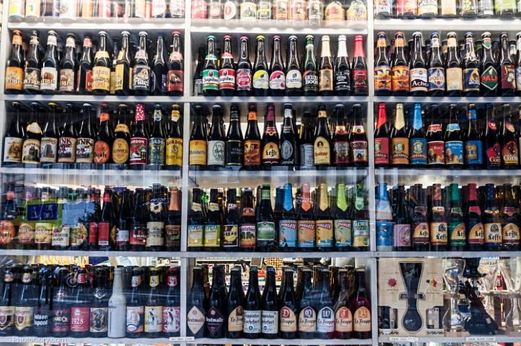 beer bottles window brussesl
