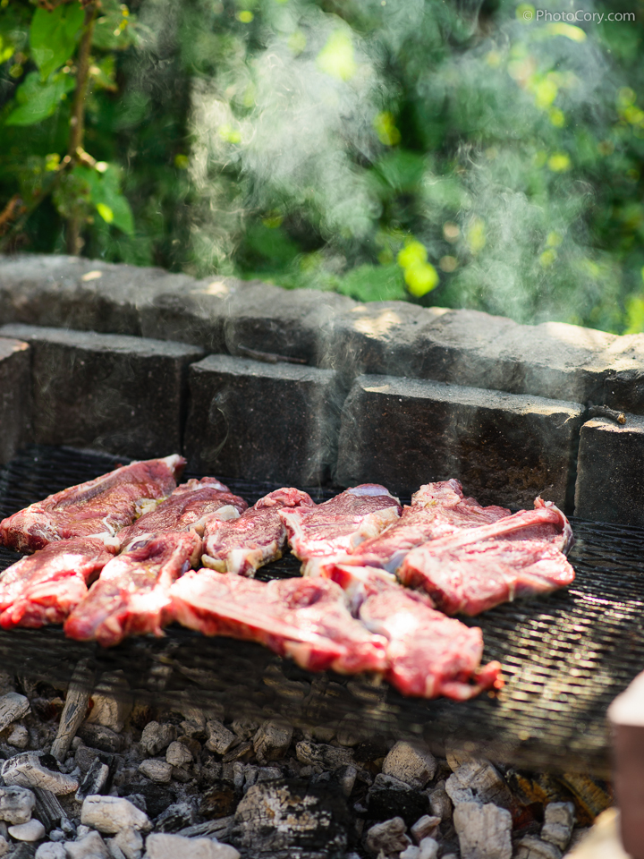 smoke barbeque steaks
