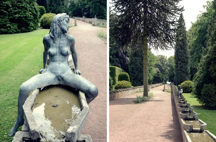 statues women chateau jehay