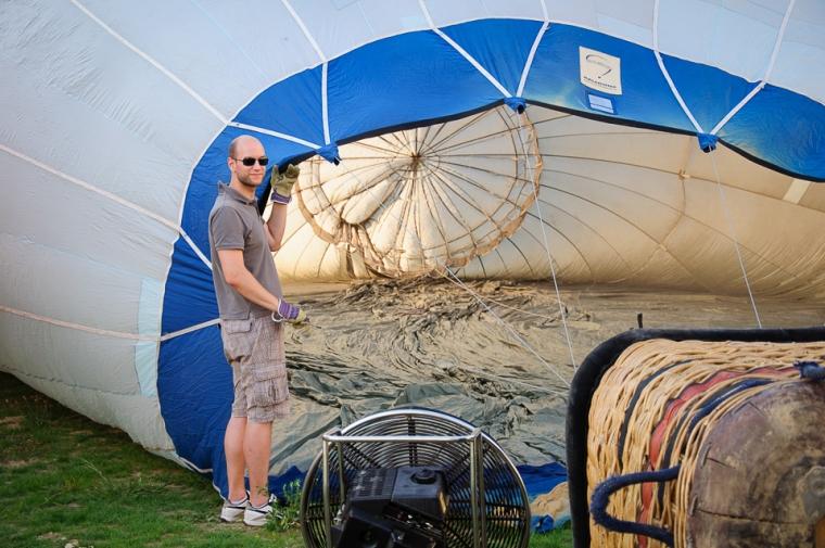 balloon setting up