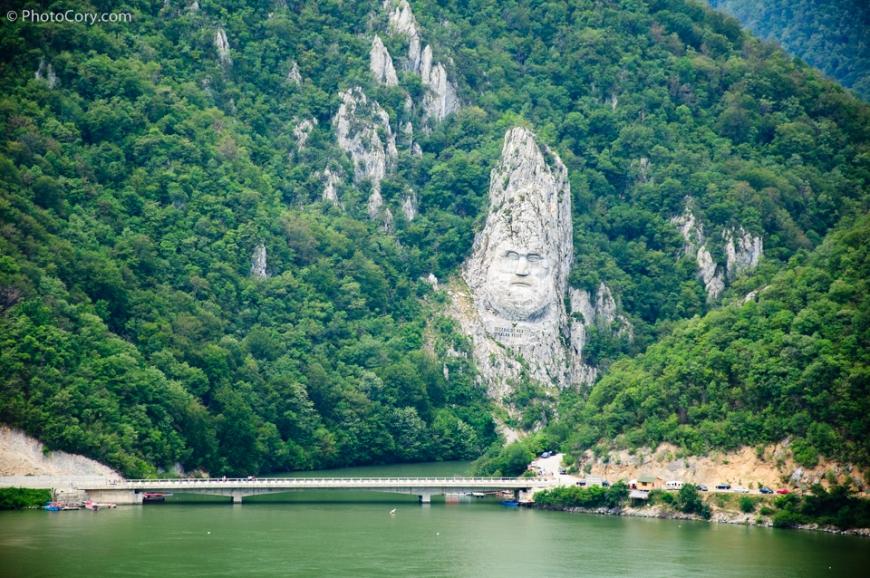 Decebal Statue Decebalus Rex Statuia, Danube, rock