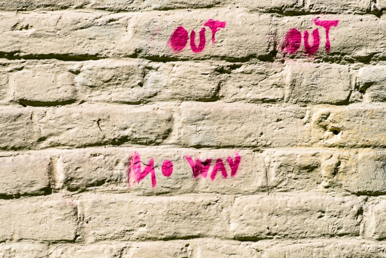 grafitti fluorescent pink paint no way out