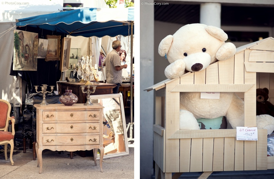 antique market and teddy bear