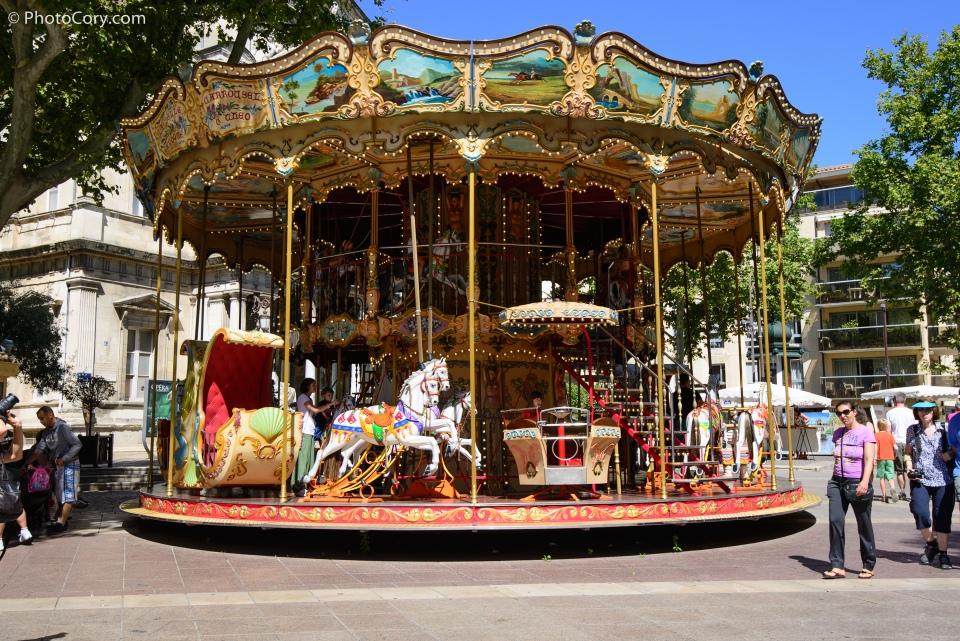 avignon merry go round