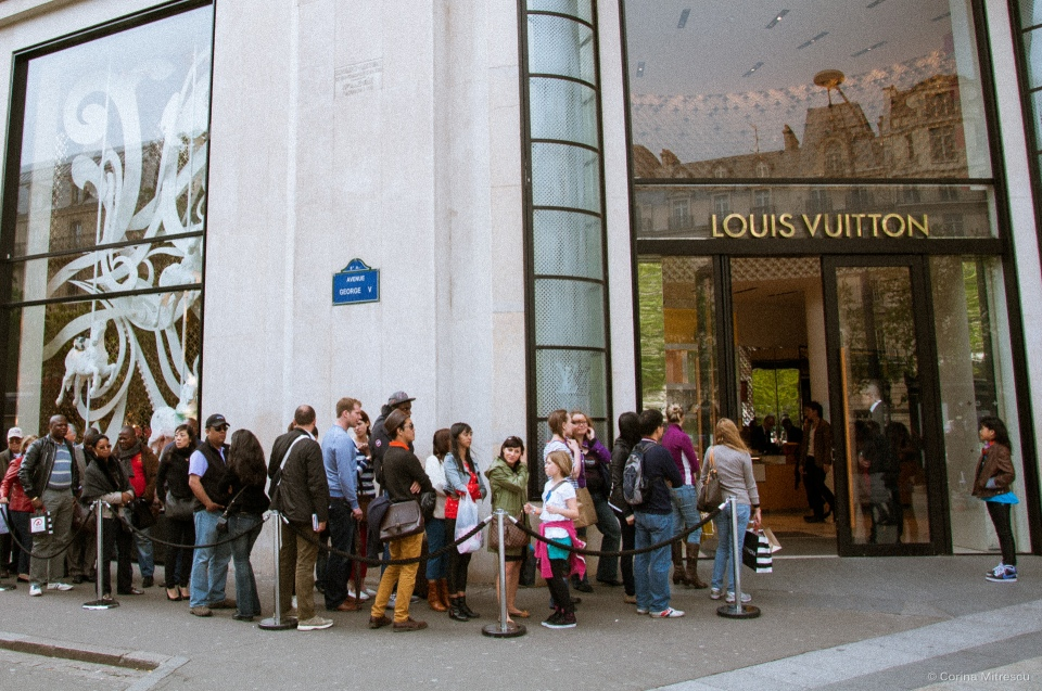 louis vuitton line in paris