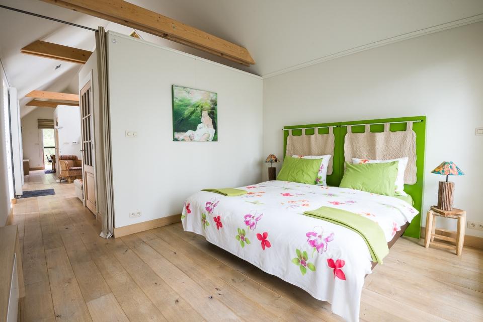 contrast 46 bedroom