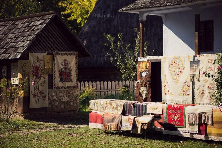 covoare de vanzare la muzeul satului
