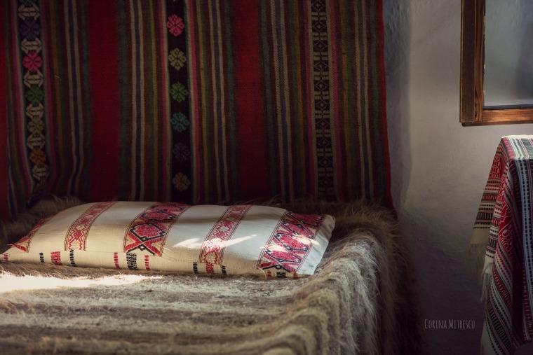 pat traditional romanesc muzeul satului