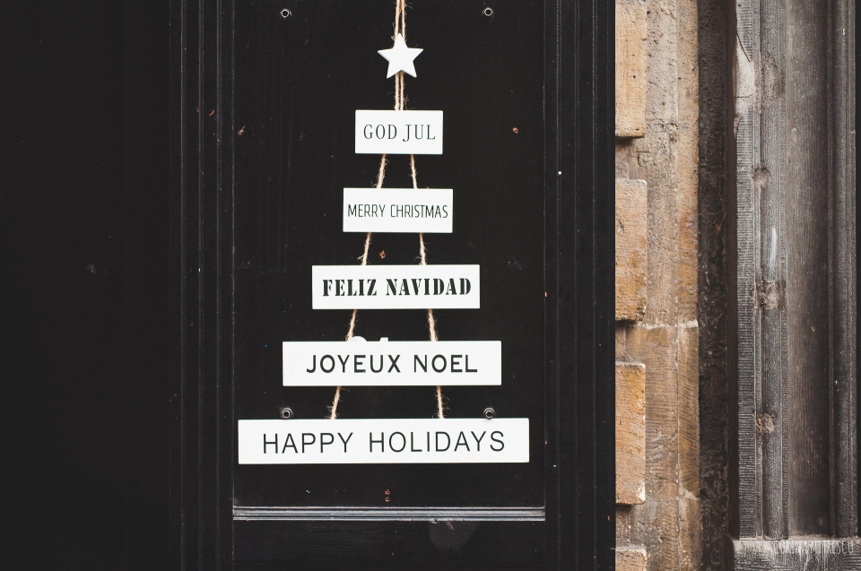 happy holidays on door