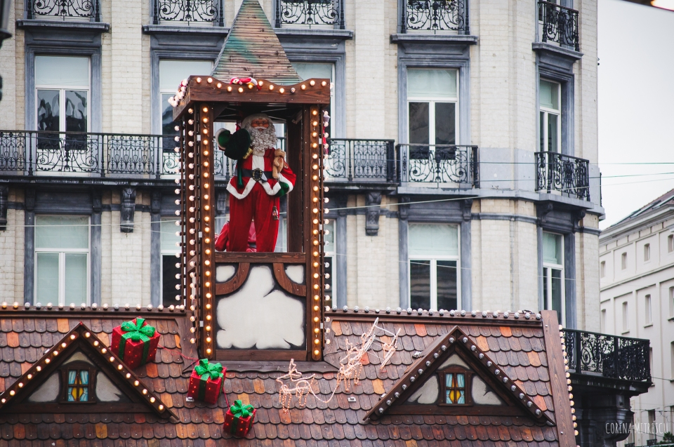 santa decoration bourse brussels