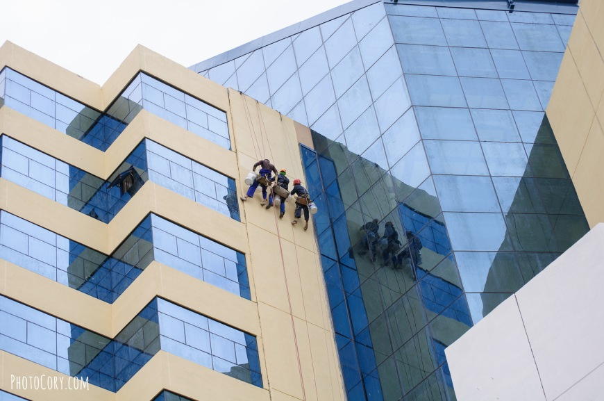 cleaning windows hotel