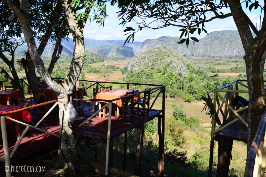 restaurant with view over the valley of vinales