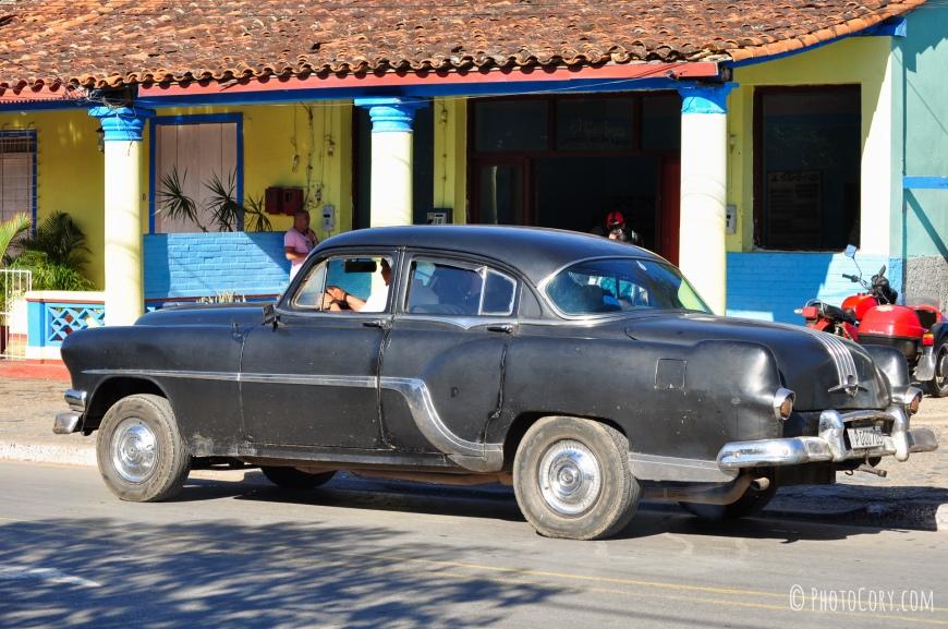 vinales center old car