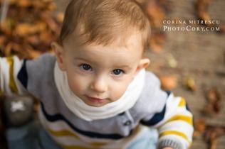 portrait-1-year-old-baby-parc-autumn
