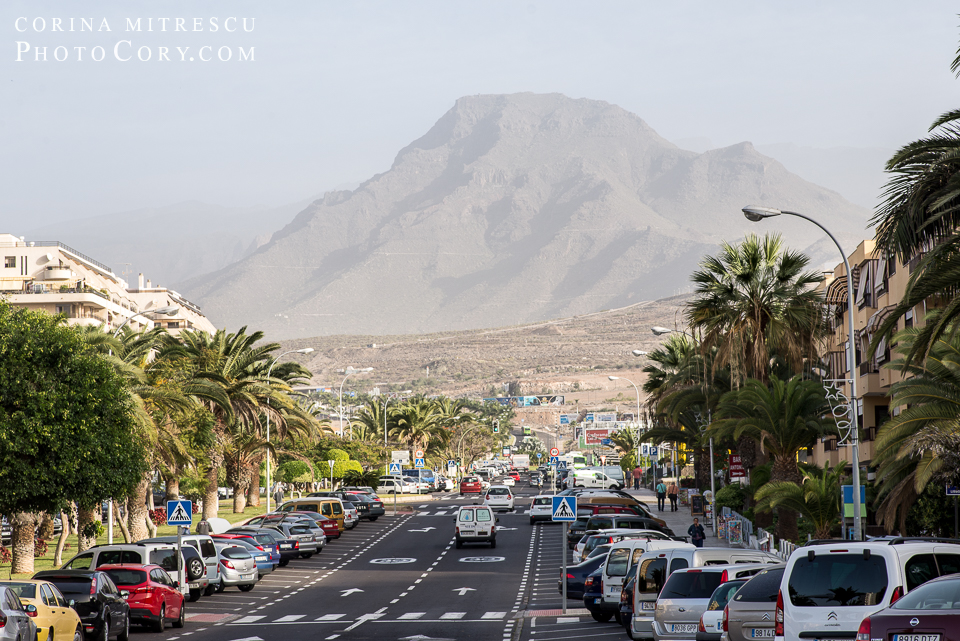 los-cristianos-street-mountain-view