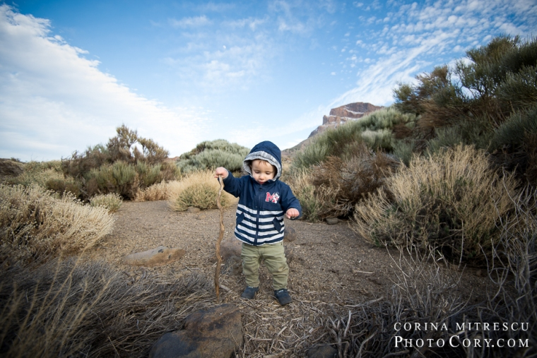teide-volcano-national-parc-tenerife-toddler