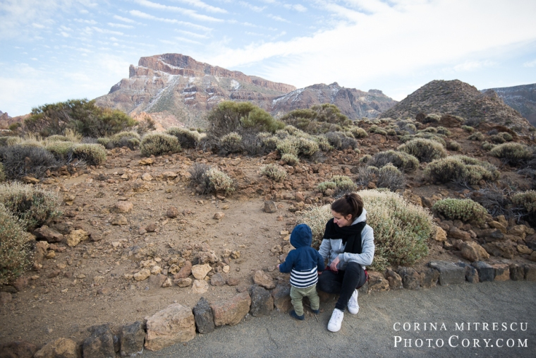 teide-volcano-parc-with-toddler